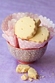 Shortbread with paper napkins in a small bowl