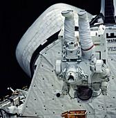 Manned maneuvering unit space walk, 1984