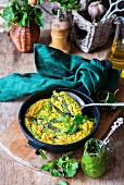 Brennnessel-Omelett mit Pesto