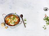 Oriental eggs in spicy tomato sauce