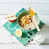 Bircher muesli with apples and honey