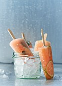 Lime and papaya ice lollies with mint