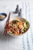 Asian whole-wheat spaghetti with sesame prawns
