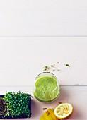 Honigmelonen-Kresse-Drink mit Zitrone