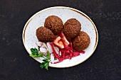 Falafel (Frittierte Kichererbsenbällchen, Libanon)