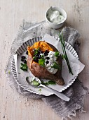 Baked sweet potato with black beans