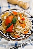 Fried noodles with beef and red pepper