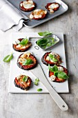 Mini aubergine pizzas without a base
