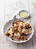 Farfalle with vegetable and cheese sauce