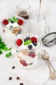 Summer tiramisu with berries