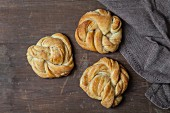 Babka yeast cakes with cinnamon and white chocolate