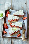 Strawberry tart with lime mousse and white chocolate