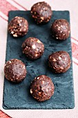 Hazelnut and cacao chocolate balls