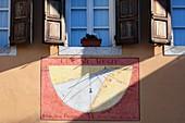 Italian sundial
