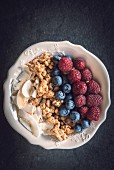 A healthy breakfast with berries and crunchy cereal
