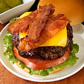 Cheeseburger with bacon, tomato and lettuce