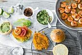 Zutaten für Burger mit Geflügel, Fisch und Meeresfrüchten