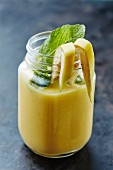 Banana smoothie with lemon balm