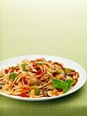 Fra Diavolo (Pasta mit scharfer Tomatensauce und Garnelen)