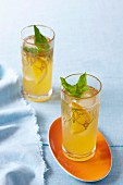 Australian navel orange iced tea