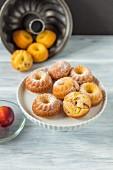 Mini peach gugelhupfs