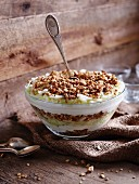Bircher trifle with cereal and apple