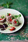 Strawberry and quinoa maki rolls with mint and chocolate