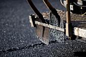 Road-laying shovels