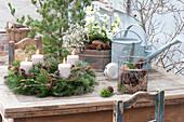 Natuerlichen Adventskranz aus Tanne und Kiefer binden :