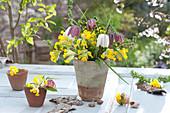 Kleiner Strauß aus Primula veris ( Schlüsselblumen, Himmelsschlüssel )