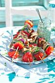 Grillspiesse mit Fleisch und Gemüse