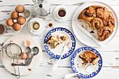 Saftiger weicher Dinkel-Zimtbrötchen-Kuchen mit Kardamom zum Kaffee