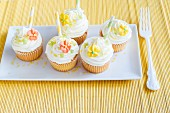Springtime cupcakes with sugar flowers