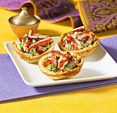 Tandoori chicken in Naan cups
