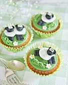 Comical cupcakes decorated with fondant sheep