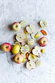 Pink Lady apples, lemons and turmeric (fruit juice ingredients)