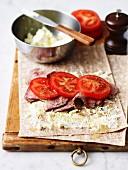 Wraps mit Lammfleisch, Fetakäse und Tomaten