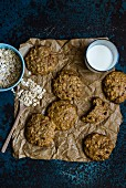 Oat and goji berry cookies