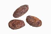 Drei Kakaobohnen