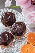 Jaffa cakes with chocolate glaze