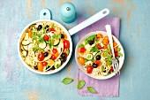 Spaghetti mit Zucchini, Ziegenkäse und Kirschtomaten