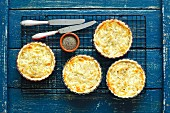 Mini quiches with onion