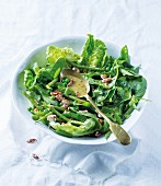 Mixed leaf salad with green beans, peas and honey almonds