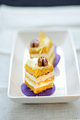 Saffron sponge cakes with mascarpone cream