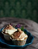 Muffins with white chocolate cream