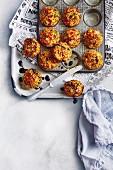 Gebratene Reisküchlein in Muffinform