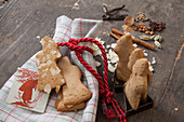 Gluten-free German gingerbread with flaked almonds