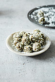 Spirulina energy balls with super seeds