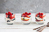 Puffed quinoa with fruits in a glass