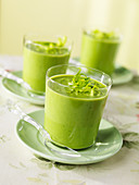 Pea soup in a glass